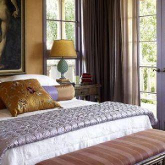 bedroom-interior-design-art-above