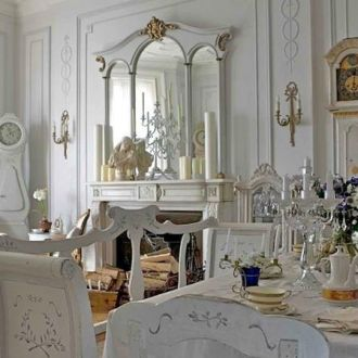 gustavian-style-living-room-with-swedish-antique-furniture-front-page-1